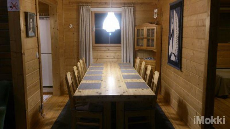 Dining area for 10 people